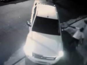 Câmeras flagraram morte de empresário em Pontal, SP (Foto: Reprodução)