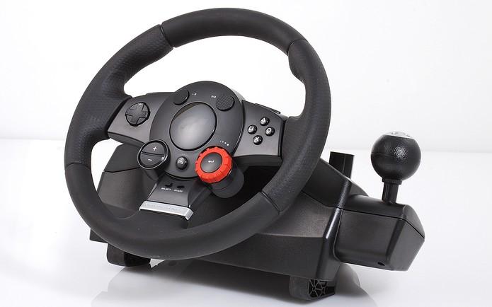 Logitech Driving Force GT (Foto: Divulgação)