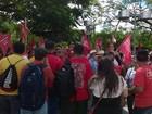 Ato pró-Dilma reúne manifestantes no Beco do Cotovelo, em Sobral