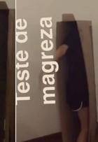 Para provar magreza, modelo  de 22 anos entra em caixa de TV ultra slim