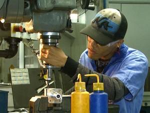 Indústria é a primeira a sofrer as consequências da crise econômica (Foto: Reprodução / EPTV)
