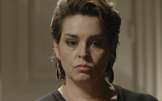 Beatriz fica sensibilizada com a situação (Foto: TV Globo)