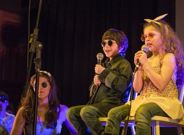 Grupo In Club, formado por crianças e adolescentes da Oito Notas Escola de Música, no tributo aos Beatles no Museu da Casa Brasileira (Foto: Bella Tozini)
