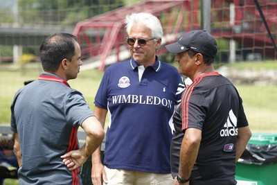 Caetano, Godinho e Muricy conversam em Mangaratiba (Foto: Gilvan de Souza / Flamengo.com.br)