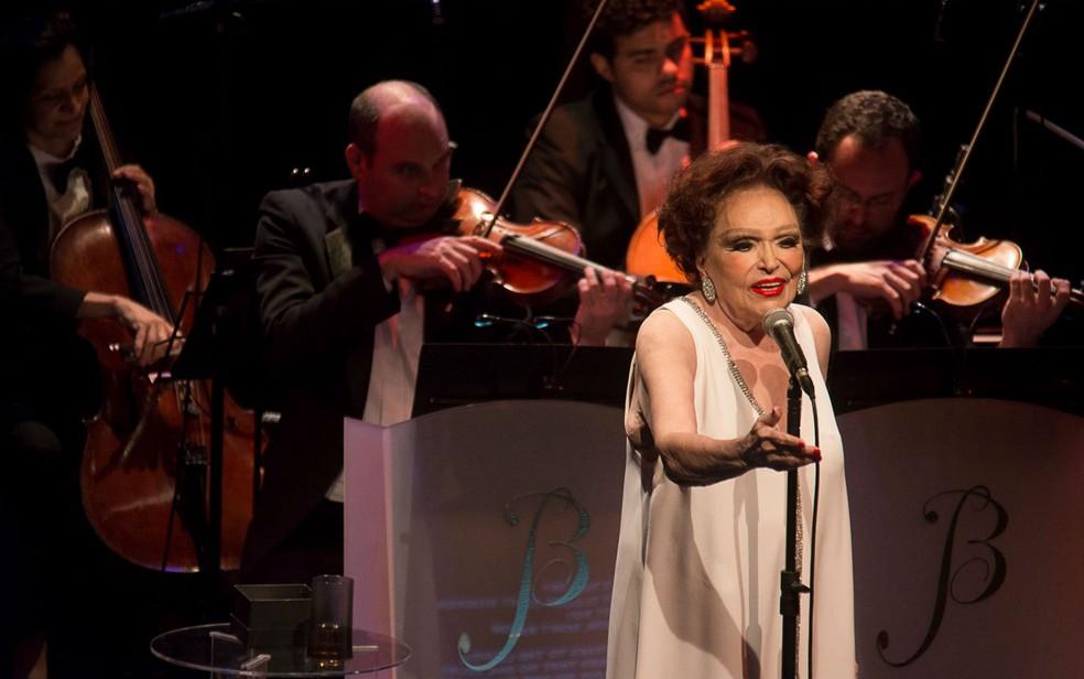 Bibi Ferreira comemora 76 anos de carreira com turnê