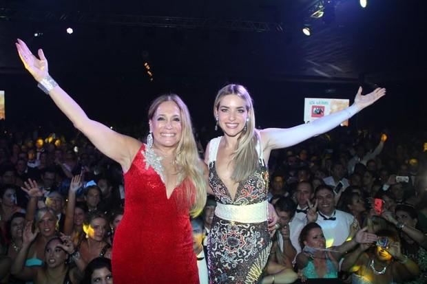 Susana Vieira e Monique Alfradique (Foto: Rodrigo dos Anjos/AG News)