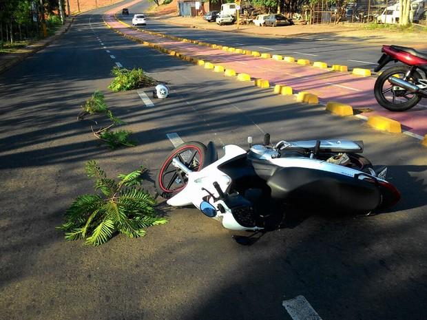 Acidente foi perto da ciclovia na Rua Alvino Gomes Teixeira (Foto: Jean Rós/Cedida)