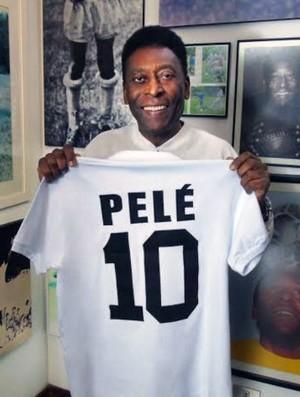 Santos lança camisa em homenagem ao Rei Pelé