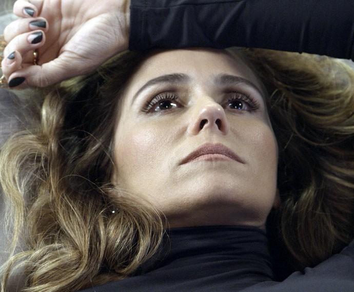 Atena fica arrasada  após fora (Foto: TV Globo)