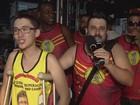 Corte do carnaval abre desfiles de bandas em Santos, SP