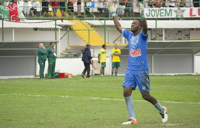 Luiz Felipe, goleiro do Friburguense (Foto: Anderson Lima/ AMS)