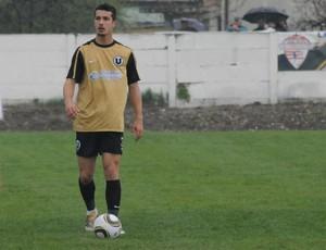 Zagueiro Josias Basso, novo reforço do Operário-PR (Foto: Site oficial do Universitatea Cluj-ROM/Divulgação)