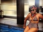 Gaby Amarantos posa de biquíni de oncinha: 'Se amar faz tão bem'