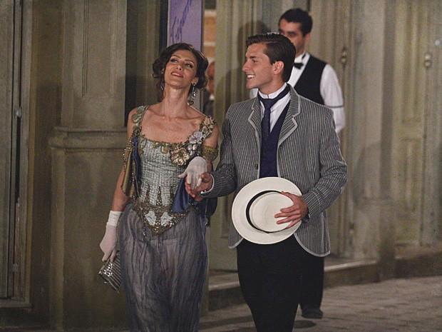 Dorleac aceita o convite de Umberto e vai para a casa dele (Foto: Lado a Lado / TV Globo)