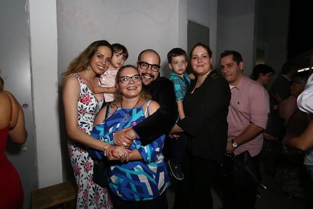 Tiago Abravanel com a família (Foto: Claudio Augusto/Brazil News)