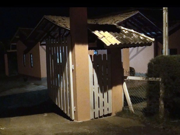 Sargento da PM matou cinco da mesma família e suicidou na zona rural de Extrema (MG) (Foto: Du Neves)