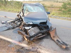 Acidente provoca uma morte na BR-259, em Diamantina (MG) (Foto: Corpo de Bombeiros/Divulgação)