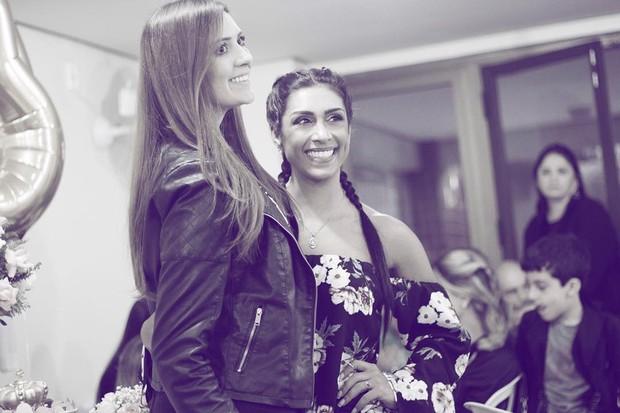 Tamires e Amanda Djehdian (Foto: Instagram / Reprodução)