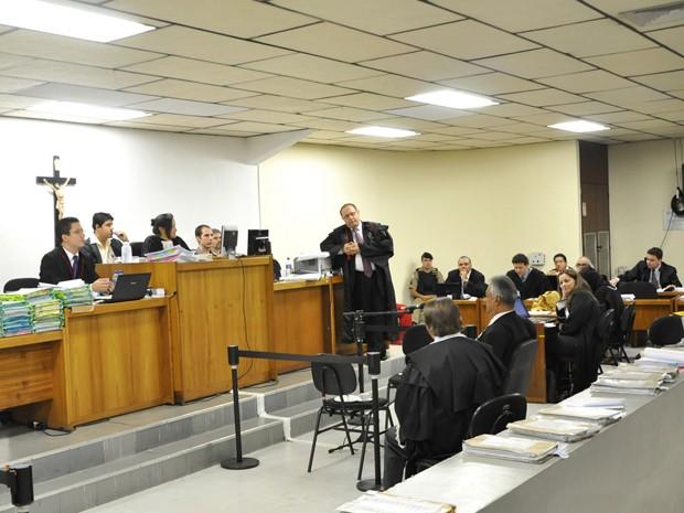 Júri de Marcos Aparecido dos Santos, o Bola, já dura quatro dias; testemunha de defesa, ex-delegado Edson Moreira começou a depor na quarta-feira (Foto: Renata Caldeira / TJMG)