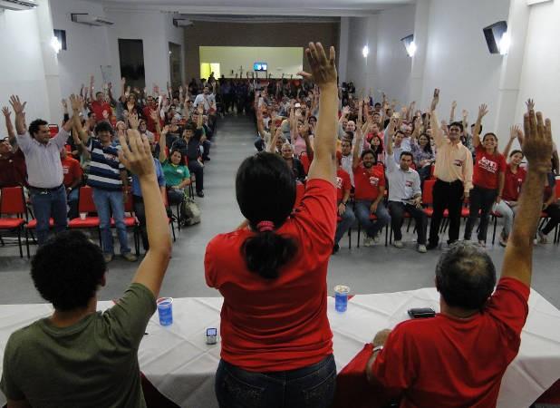 Anúncio da greve foi decidido em assembleia na noite da última quarta-feita (12). (Foto: Divulgação)