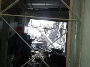 Explosão danificou a estrutura do imóvel (Foto: G1/G1)