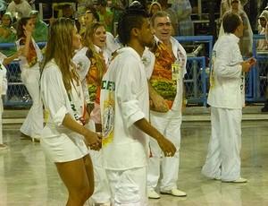 leo moura flamengo esposa desfile grande rio sapucaí carnaval (Foto: Marcelo Baltar / Globoesporte.com)