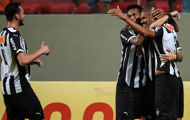 Leonardo Silva Atlético-MG gol Atlético-PR Brasileirão (Foto: Agência Getty Images)