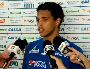 Thiago Medeiros, zagueiro do Avaí (Foto: Alceu Atherino, divulgação / Avaí FC)