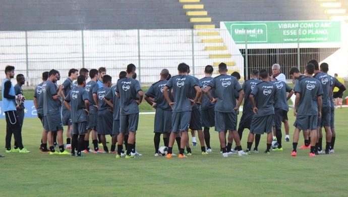 ABC jogadores treino Estádio Frasqueirão (Foto: Divulgação/ABC)