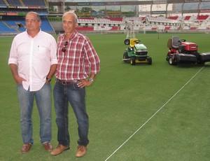 Sergio Landau e Paulo Azeredo Gramado Engenhão (Foto: André Casado)