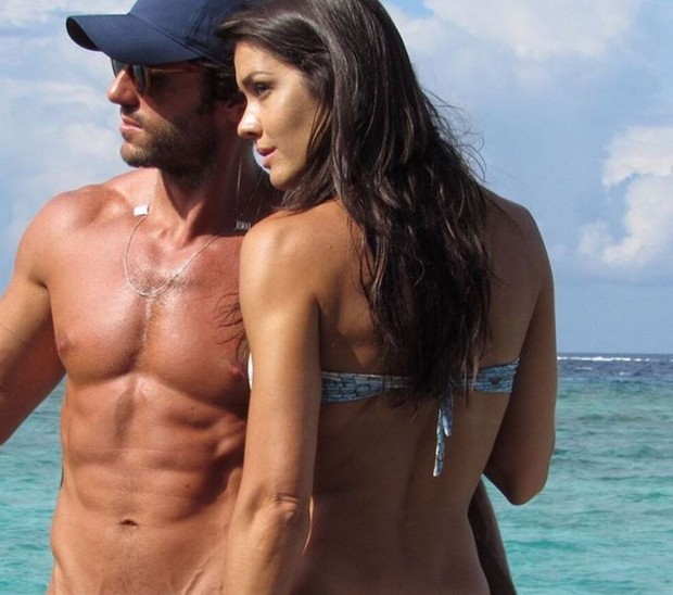 Talula Pascoli com o marido, Zinho Alves, na lua de mel deles nas Ilhas Maldivas (Foto: Reprodução/Instagram)