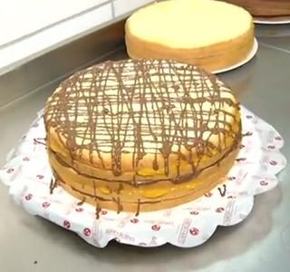 Tendência estrangeira, 'naked cake' é uma boa pedida para fim do ano (Foto: Reprodução Rio Sul Revista)