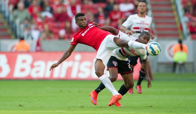 Geferson lateral-esquerdo Inter Internacional (Foto: Alexandre Lops / Internacional)