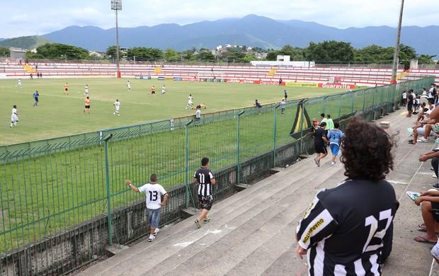 botafogo x nova iguaçu (Foto: Marcio Alves/Agência Globo)