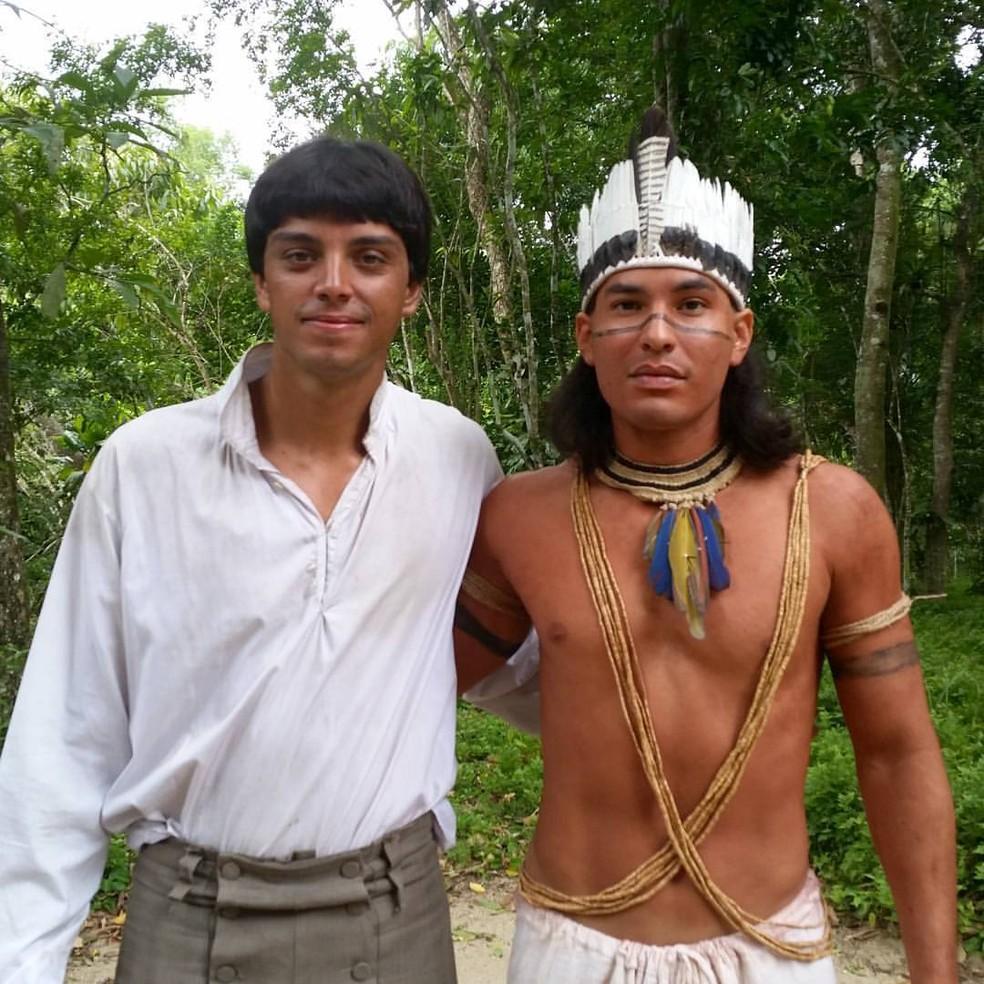 Begê Muniz posa ao lado de Rodrigo Simas (Foto: Arquivo Pessoal)
