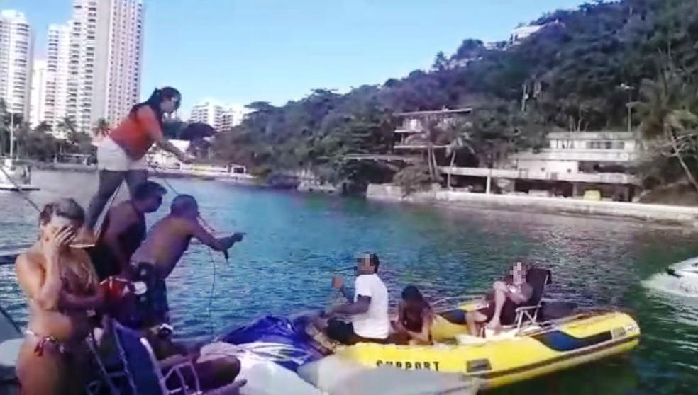 Envolvidos no acidente brigaram com dona de moto aquática alugada (Foto: Reprodução)