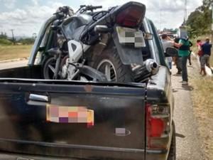 Moto furtada foi encontrado em suspeitos na BR-232 em PE (Foto: Divulgação/PRF)