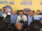 'Brincam com a inteligência dos brasileiros', diz Aécio sobre CPI