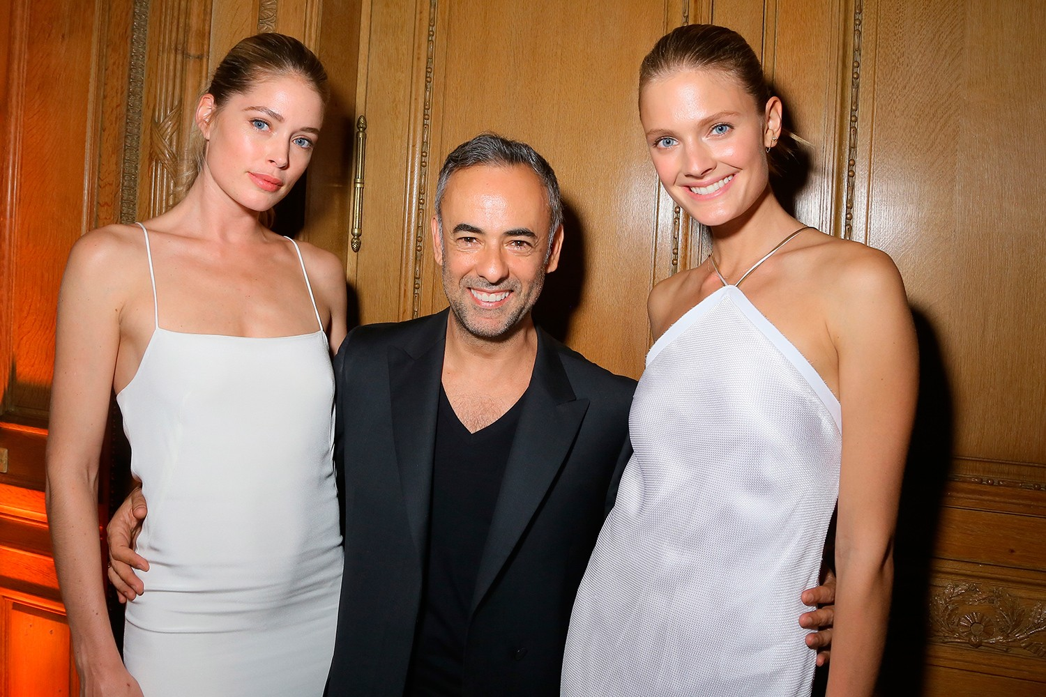 Doutzen Kroes, Francisco Costa e Constance Jablonski (Foto: Getty Images)