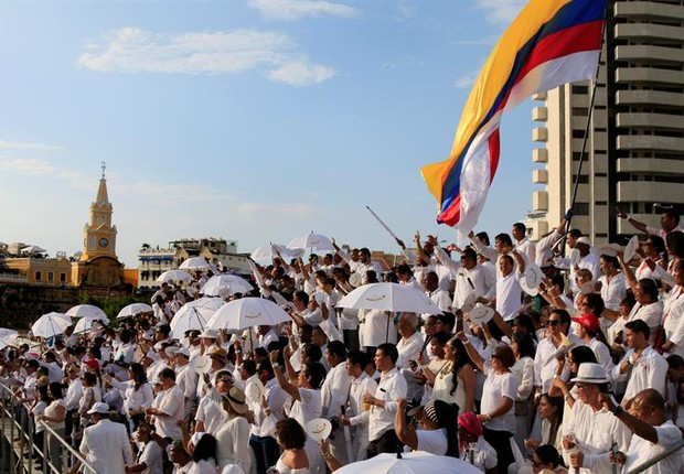 Momentos antes do acordo entre o governo colombiano e as Farc (Foto: Ricardo Maldonado/EFE)
