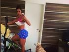 Gracyanne Barbosa impressiona seguidores por cinturinha fina