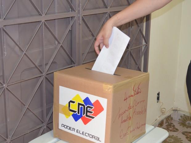 A votação no Consulado venezuelano segue até as 18h (Foto: Tarsira Rodrigues/G1)