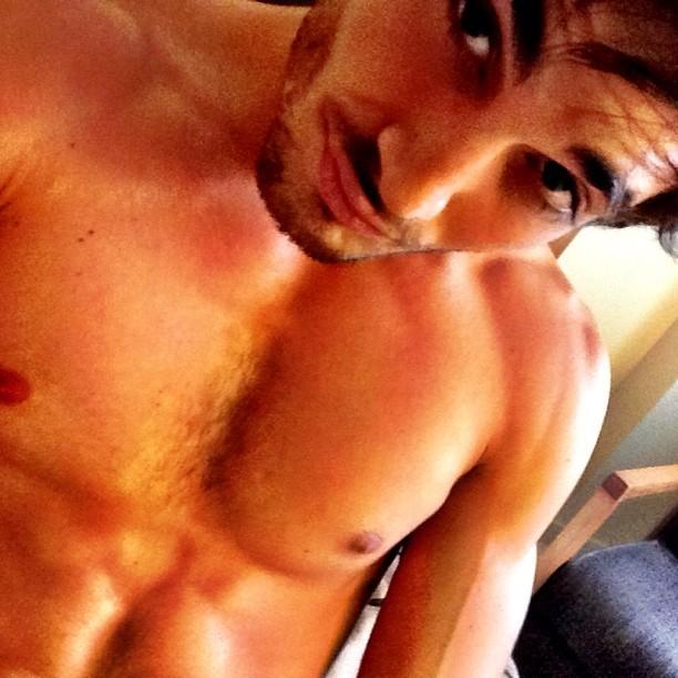 Fiuk posta foto sem camisa (Foto: Instagram / Reprodução)