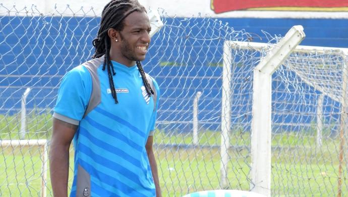 Zagueiro Odair Lucas, do CSA (Foto: Caio Lorena / Globoesporte.com)