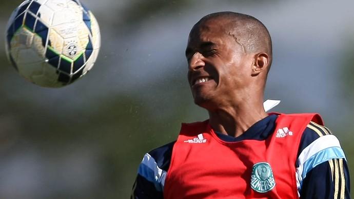 Renato volante Palmeiras Atibaia (Foto: Cesar Greco/Ag Palmeiras/Divulgação)