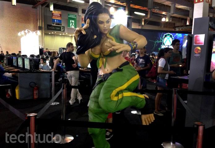 Laura tem estátua própria na Brasil Game Show (Foto: Cassio Barbosa/TechTudo)