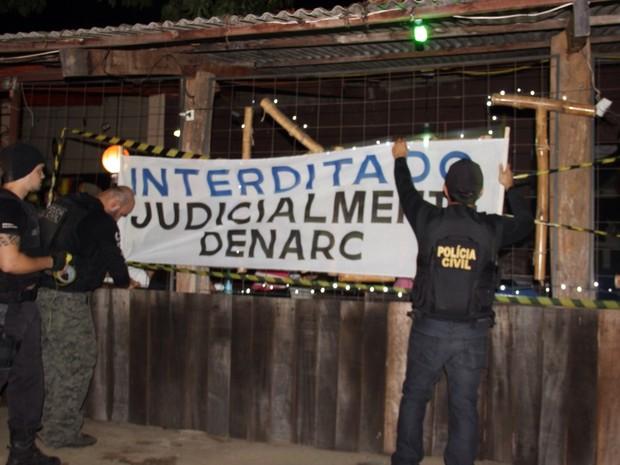 Polícia interditou bar na noite deste sábado (19), em Palmas (Foto: Divulgação/Denarc)