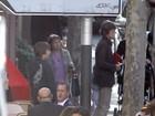 Filho de Luciana Gimenez passeia com o pai, Mick Jagger, na França