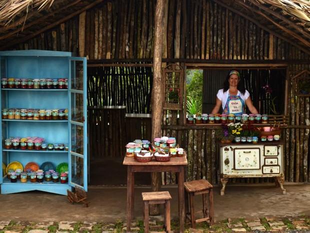 """A Casa do Doce fica no local de passagem para uma cachaçaria famosa da região. """"Ela inova fazendo doces típicos misturados com cachaça"""", conta o leitor (Foto: Glauco Cavalcanti Montenegro Filho/VC no G1)"""