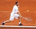 Totti, De Rossi e outras estrelas do Roma exibem talento no tênis em evento